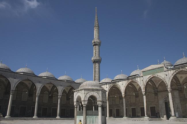חצר_המסגד_הכחול